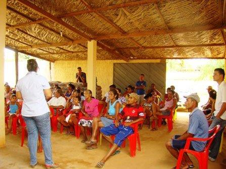 Reunião sobre qualidade da água no povoado do Mucambo.