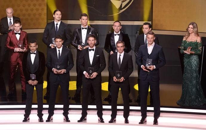 Seleção do ano é apresentada no prêmio da Bola de Ouro da Fifa (Foto: AFP)