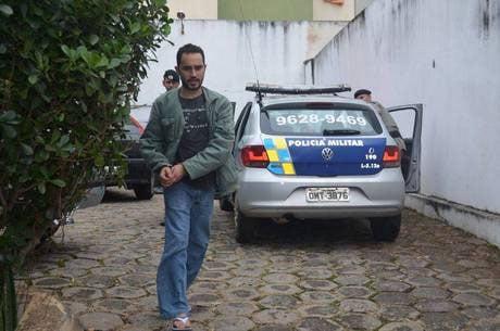 Wesley chegou na delegacia machucado e negou as agressões (Foto cedida: www.nogirodacidade.com.br)