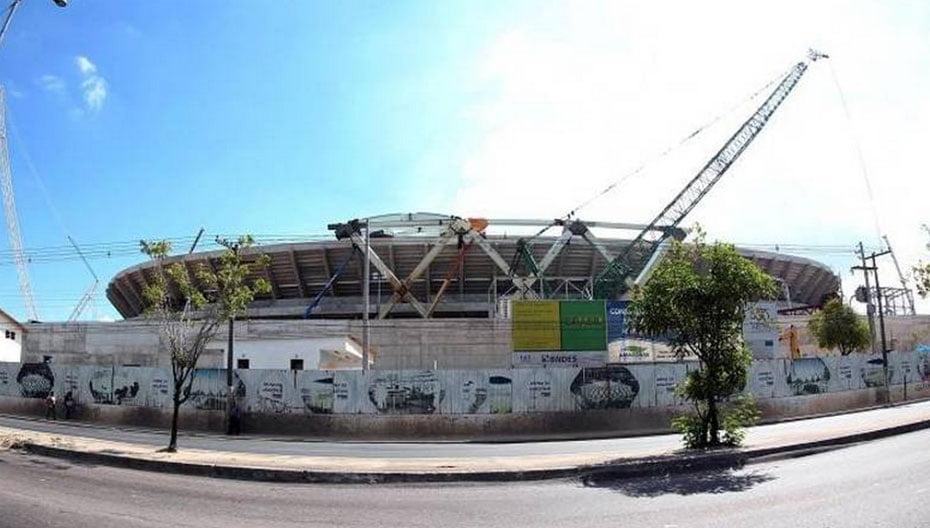 A Arena Amazônia também sofrerá com a falta de atividade após a Copa do Mundo. Com grande torcida no norte e no nordeste brasileiro, o governo local terá que recorrer aos times do Sudeste para salvar o estádio. O Vasco já jogou por lá na Copa do Brasil, assim como fará o Corinthians. No futuro, o Flamengo também deve aparecer por Manaus | Foto: GASPAR NÓBREGA/Gazeta Press.