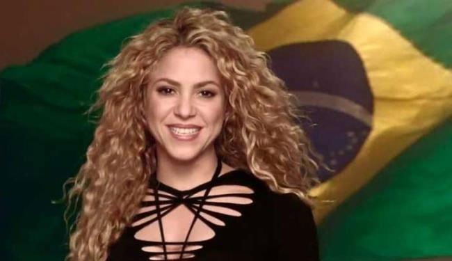 Cantora é casada com jogador do Barcelona e da Seleção da Espanha, Piqué | Reprodução / YouTube