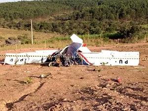 Ultraleve que caiu em chácara em São Sebastião, no DF | Foto: Lucas Salomão/G1