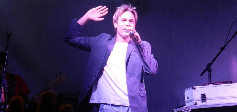 Chris Duran se apresenta no dia 02 de agosto na Praça Landulfo Alves