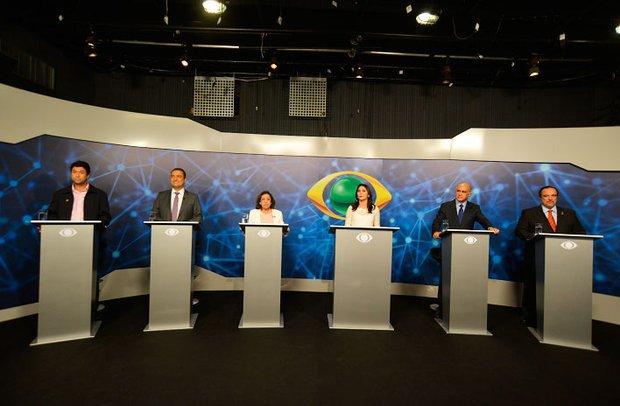 O debate esteve quente   Foto: Betto Jr.