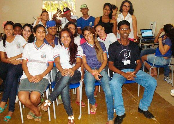 Oficina do curso de audiovisual da Fasb no colégio Prisco Viana