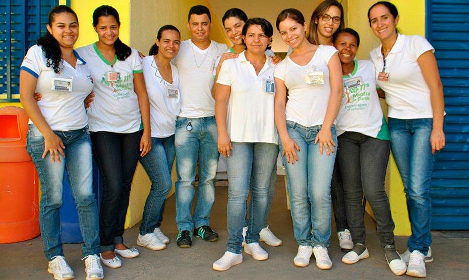 Acadêmicos do 8º semestre do curso de Enfermagem da Faculdade São Francisco de Barreiras participaram nesta quinta-feira, 28, de uma tarde dançante na APAE