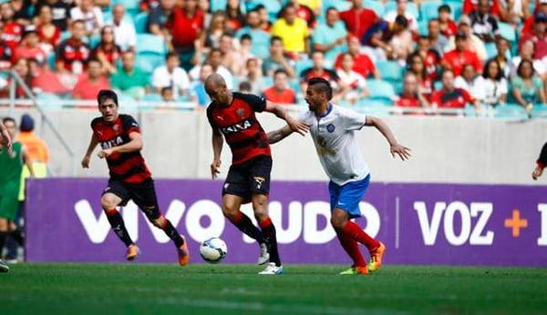 Aos olhos atentos de mais de 25 mil torcedores na Arena Fonte Nova bc79716a99c7c