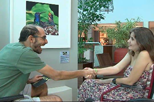 Rui Rezende e Ana Maira Moraes se cumprimentam | Foto: Reprodução do vídeo no G1