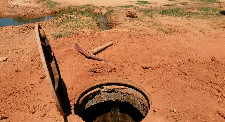 Ligação indevida da rede de água de chuva na rede de esgoto | Foto: Acervo Embasa