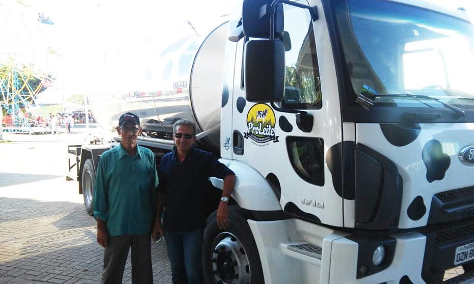 Caminhão proleite | Foto: Ascom Oziel Oliveira