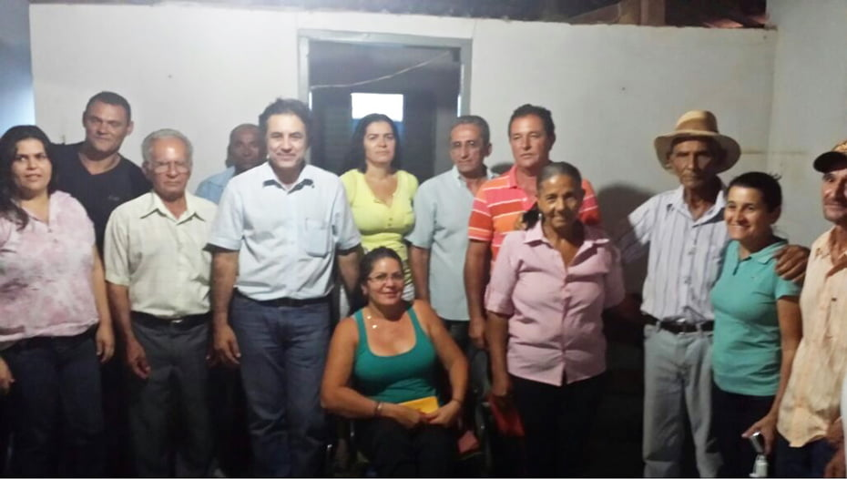 Deputado Oziel com os trabalhadores rurais em Wanderley | Foto: Ascom Oziel Oliveira