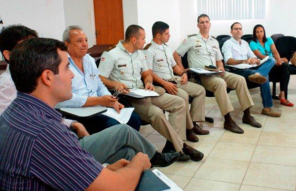 Comissão Voluntária pela Paz reunida em busca de segurança | Foto: Rosane Ferreira/Ascom CDL