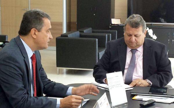 Rui Costa e o secretário-executivo do MI, Carlos Vieira | Foto: Secom Bahia