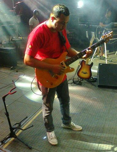 Válter das Virgens, vocalista e guitarrista da banda   Foto: Divulgação