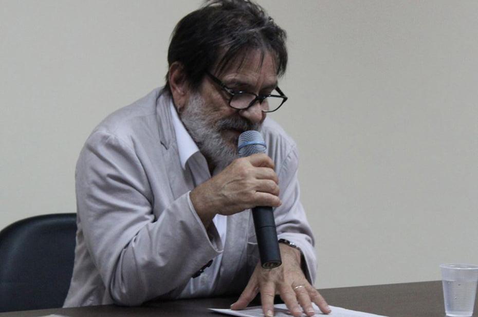 Vice-Reitor da UFBA, professor Paulo Miguez, proferiu palestra sobre Cultura e Desenvolvimento, na abertura da Semana de Integração Universitária, do Campus da UFOB de Barreiras | Foto: Ascom Ufob