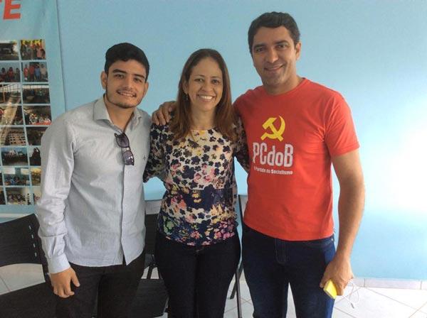 Os pré-candidatos Téo, Kely Magalhães e o vereador Otoniel Teixeira   Foto: Osmar Ribeiro/falabarreiras