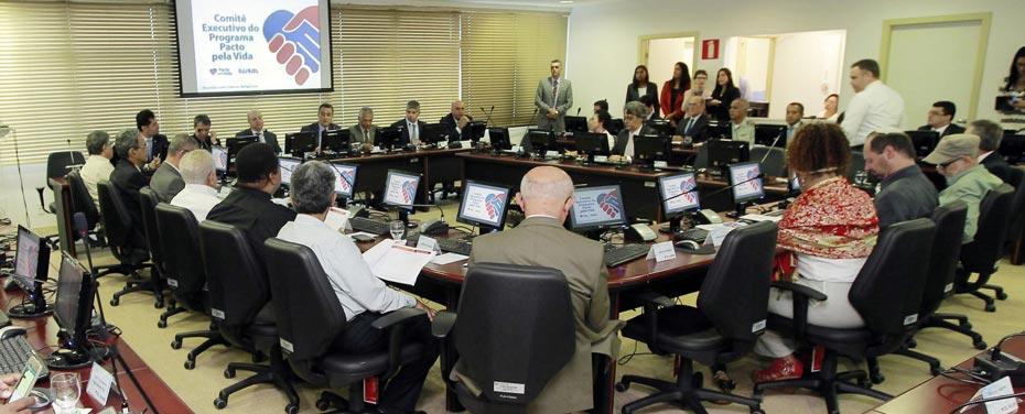 Em reunião pelo pacto, Rui Costa convoca a sociedade | Fotos: Carol Garcia/GOVBA