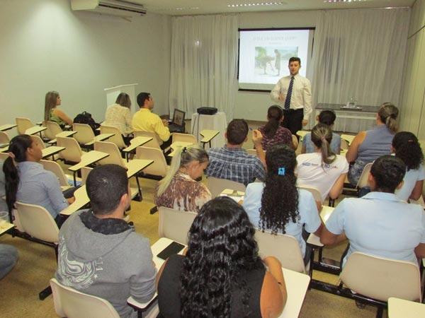 Funcionarios-do-Hospital-do-Oeste-recebe-treinamento-de-estudantes-de-faculdade-01