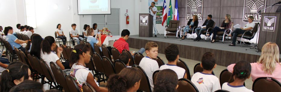 Programa-Despertar-premia-estudantes-das-escolas-da-cp-flash