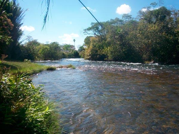Rio corrente, Correntina Bahia | Foto: Reprodução http://static.panoramio.com/
