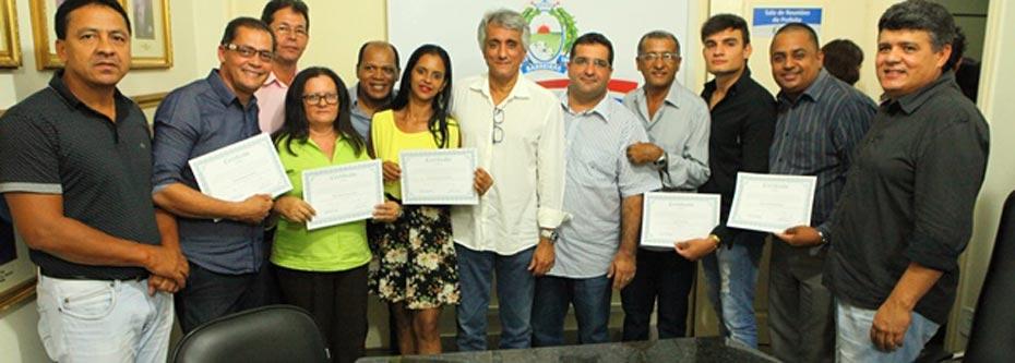 Conselheiros empossados ao lado do prefeito em Exercício Paê Barbosa   Foto: Dircom Barreiras