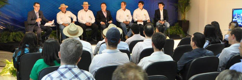 Forum-apresenta-os-avancos-e-as-dificuldades-para-o-desenvolvimento-do-Matopiba-cp-flash