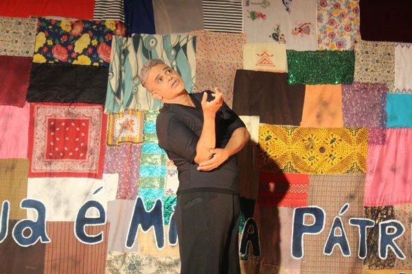 O Centro Cultural de LEM foi palco de espetáculo teatral na tarde da terça-feira, 07, com o ator Urias Lima | Foto: Divulgação