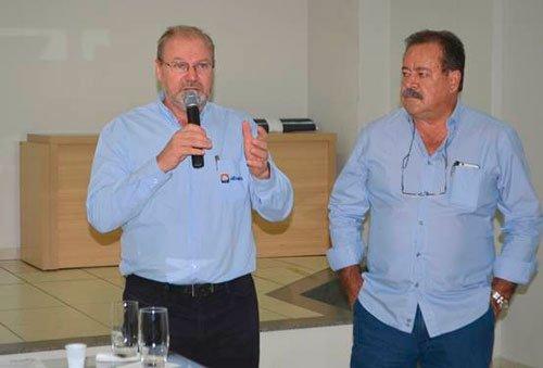 Presidente da Abapa, Celestino Zanella e Presidente da Fundação Bahia, Ademar Marçal | Foto: Virgília Vieira/Ascom Abapa