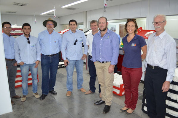 Laboratório da Abapa recebe visita de estrangeiros | Foto: Virgília Vieira