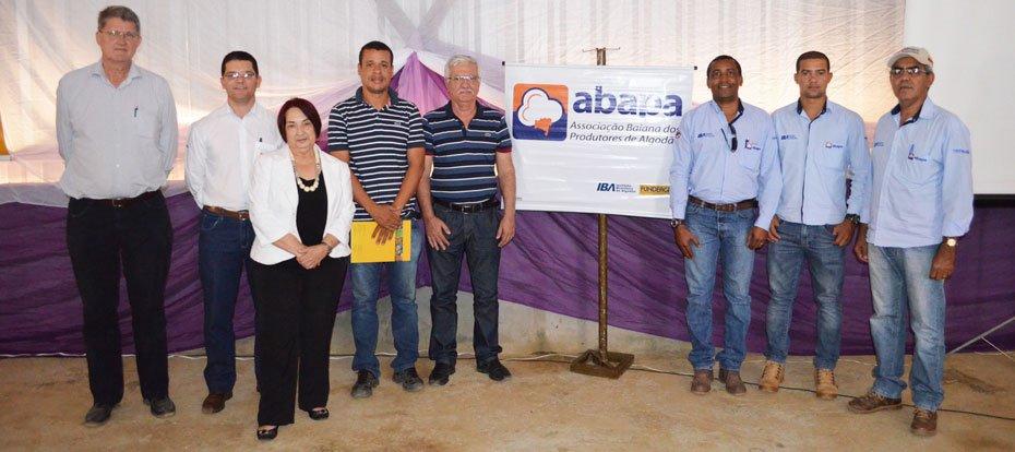 Representantes das entidades: Abapa, Solidariedad, Instituo C&A e Prefeitura de Malhada   Foto: Virgília Vieira   Ascom Abapa