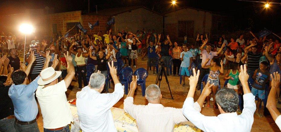 antonio-henrique-recebe-apoio-de-pequenos-agricultores-da-comunidade-da-conquista-01