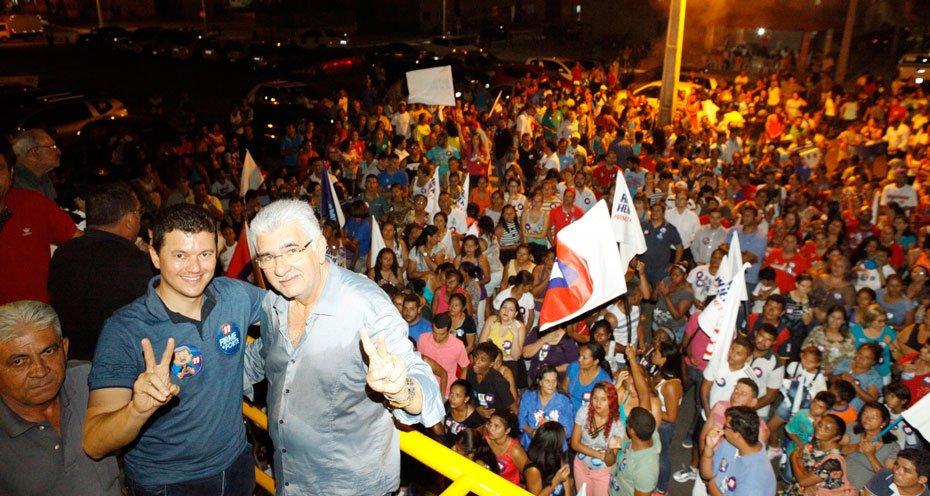 Moradores-do-Residencial-Sao-Francisco-recebem-Antonio-Henrique-e-Moises-topo