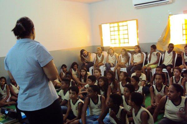 Palestra no Centro Educacional Tarcilo Vieira de Melo   Foto: Ascom Embasa