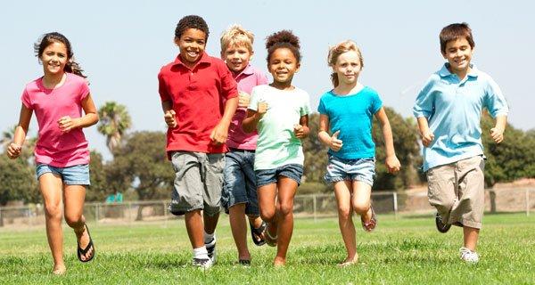 Cuidar de crianças hiperativas é uma tarefa árdua | Foto: Reprodução www.escolaengenho.com.br