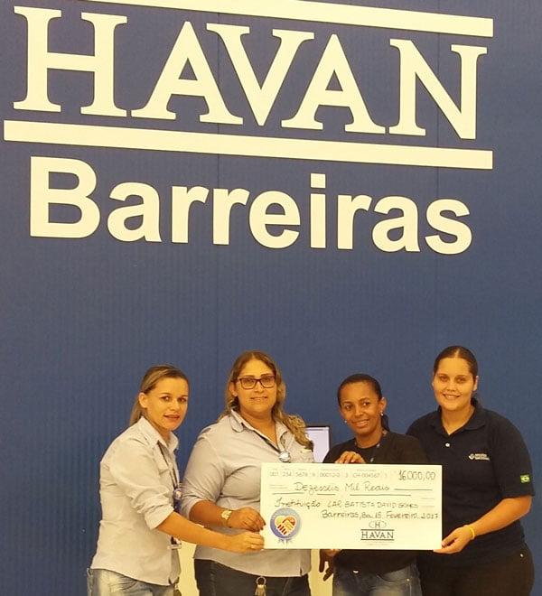 Havan-entrega-16-mil-reais-da-Campanha-Troco-Solidario-ao-Lar-Batista-David-Gomes-01